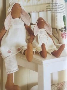 Cucito Creativo - Coniglietti di stoffa di Tone Finnanger